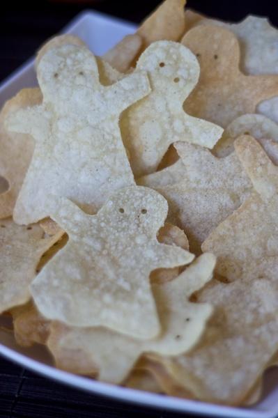 http://www.manifestvegan.com/wp-content/uploads/2010/10/halloween-ghost-tortilla-chips-vegan-gluten-free-2.jpg